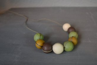 autum colors necklace