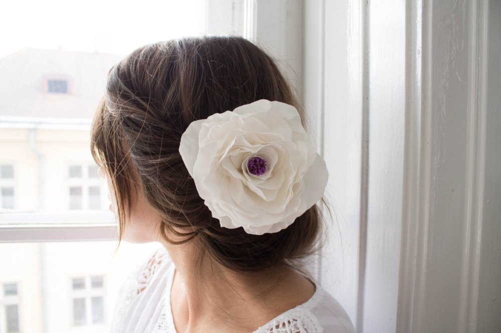 White big flower clip