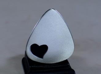 niciart_aluminum_love_guitar_pick_heart_cutout_1_large