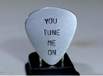 niciart_you_tune_me_on_guitar_pick_alu_1_large